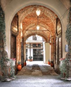Palazzo Centro, Отели типа «постель и завтрак»  Ницца-Монферрато - big - 96