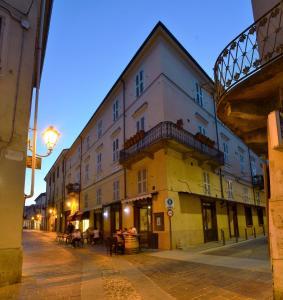 Palazzo Centro, Отели типа «постель и завтрак»  Ницца-Монферрато - big - 95