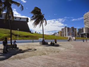 Studio Barra Bahia Flat, Aparthotely  Salvador - big - 47