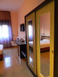 Grand Hotel Paradiso, Hotely  Catanzaro Lido - big - 59