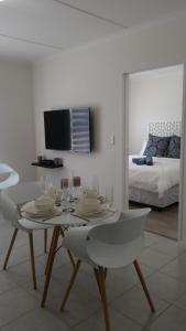 Coral Sands on Muizenberg, Апартаменты  Marina da Gama - big - 17
