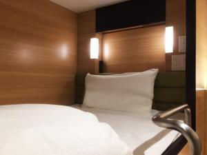 global cabin Tokyo Suidobashi, Hotel a capsule  Tokyo - big - 13