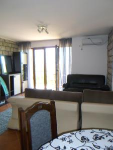 Apartments Rose, Апартаменты  Будва - big - 48