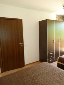 Apartments Rose, Апартаменты  Будва - big - 36