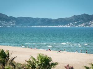 Bon Relax Flat 2, Appartamenti  Sant Pere Pescador - big - 14