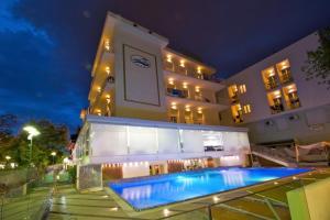 Hotel Lido, Cattolica, Italy | J2Ski