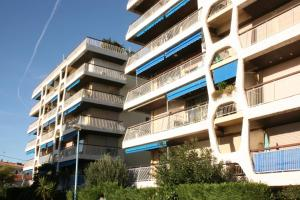 Le Semiramis 2, Apartmány  Cagnes-sur-Mer - big - 24