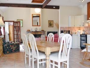 Coed-Y-Gelli Cottage, Ferienhäuser  Llanddewi Rhydderch - big - 10