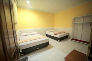 D'java Homestay Monjali, Holiday homes  Yogyakarta - big - 8