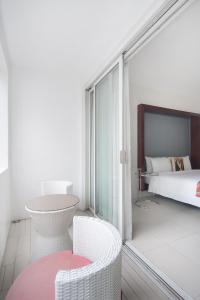 The Picasso Boutique Serviced Residences Managed by HII, Hotely  Manila - big - 2