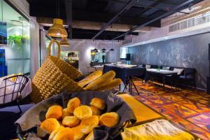 The Picasso Boutique Serviced Residences Managed by HII, Hotely  Manila - big - 47