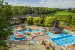 Hotel Termálkristály Aqualand, Hotely  Ráckeve - big - 1