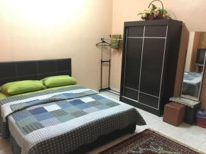 Homestay Tamu Orkid (Guest House), Проживание в семье  Куантан - big - 2
