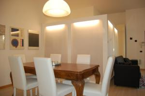 Casa Camozzi, Apartmanok  Bergamo - big - 5