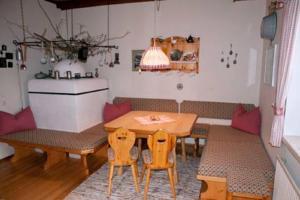 Haus Antonius Lilie, Apartmanok  Heiligenblut - big - 27