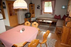 Haus Antonius Lilie, Apartmanok  Heiligenblut - big - 10
