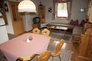 Haus Antonius Lilie, Apartmanok  Heiligenblut - big - 14