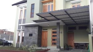 Tahnia Home, Nyaralók  Yogyakarta - big - 1
