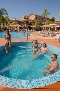 Los Pinos Resort & Spa Termal All Inclusive, Rezorty  Termas de Río Hondo - big - 67