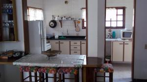 Casa do Paulo (2 quartos), Dovolenkové domy  Caraguatatuba - big - 37