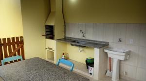 Casa do Paulo (2 quartos), Dovolenkové domy  Caraguatatuba - big - 7