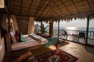 Dwarka Eco Beach Resort, Holiday homes  Cola - big - 3