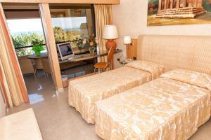 Acacia Resort Parco Dei Leoni, Resort  Campofelice di Roccella - big - 13