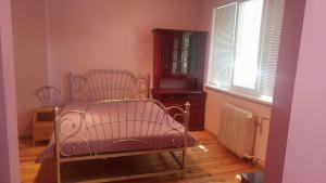 Pink Flowers Apartment, Ferienwohnungen  Sofia - big - 6