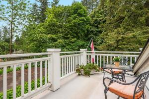 ThistleDown House, Bed & Breakfast  North Vancouver - big - 6