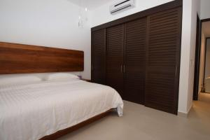 Luxury 2 Bedroom Bahia Principe Condo, Apartments  Akumal - big - 30
