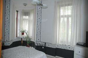 Annie Villa, Apartments  Siófok - big - 11