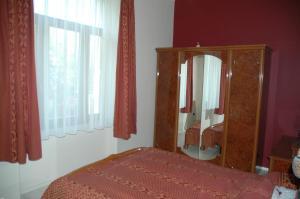 Annie Villa, Apartments  Siófok - big - 12