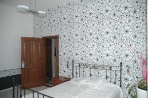 Annie Villa, Apartments  Siófok - big - 17