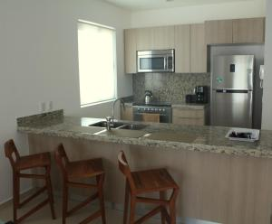 Luxury 2 Bedroom Bahia Principe Condo, Apartments  Akumal - big - 13