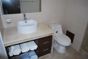 Luxury 2 Bedroom Bahia Principe Condo, Апартаменты  Акумаль - big - 9