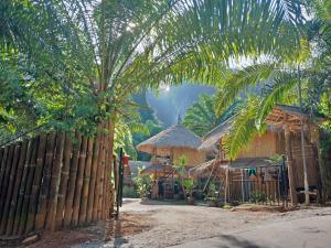 Ao Luek Paradise, Отели типа «постель и завтрак»  Ao Luk - big - 61
