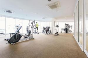 SPACIOUS ONE BEDROOM NEW CONDO - BTS SUKHUMVIT, Apartments  Bangkok - big - 3