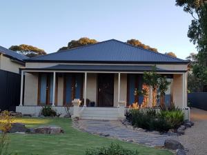 Malpas House
