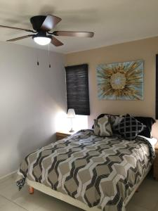 Fantastic & Cozy #4: Condo Close to the Beach