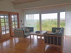 Holiday Home Lønstrup Skallerup 076437, Holiday homes  Hjørring - big - 2