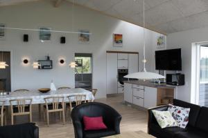 Holiday Home Lønstrup Skallerup 076442, Holiday homes  Hjørring - big - 18
