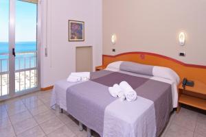 Hotel La Perla, Hotels  Cupra Marittima - big - 5