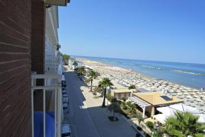 Hotel La Perla, Hotels  Cupra Marittima - big - 19