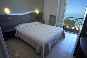 Hotel La Perla, Hotels  Cupra Marittima - big - 4