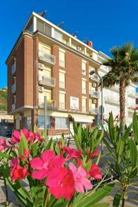 Hotel La Perla, Hotels  Cupra Marittima - big - 23
