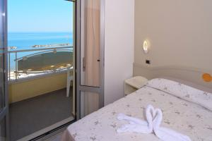 Hotel La Perla, Hotels  Cupra Marittima - big - 8