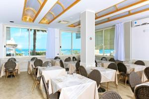 Hotel La Perla, Hotels  Cupra Marittima - big - 28