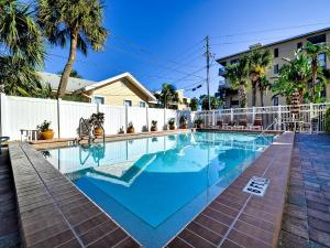 Surfside Condos 204, Apartmanok  Clearwater Beach - big - 9