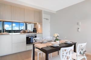 River View 2Bed APT+FREE CAR SPACE Mins to Mel CBD, Apartmanok  Melbourne - big - 13