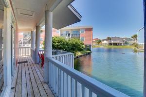 Pensacola Beach Breeze, Holiday homes  Pensacola Beach - big - 24